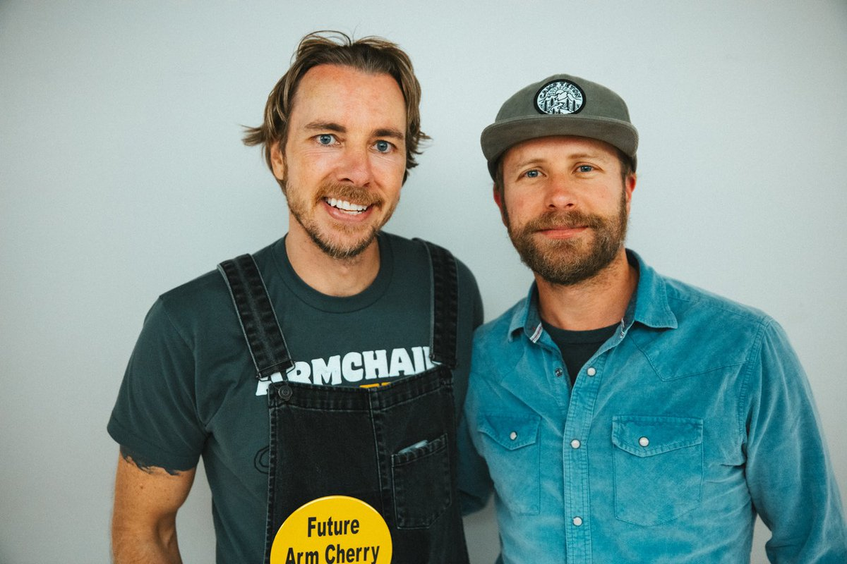 AE LIVE from Nashville with country stud @DierksBentley is up now!!!
