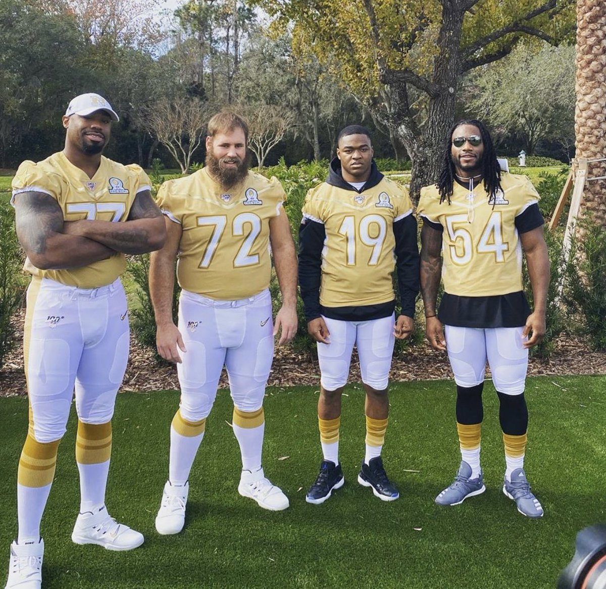 Dallas Cowboys Pro Bowl Teammates Photo Going Viral