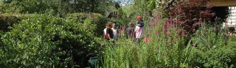 Am 27. und 28. Juni 2020 ist Tag der offenen Gärten in Waldeck-Frankenberg. Bis 1. März mit dem eigenen Garten bewerben unter: http://gaerten-waldeck-frankenberg.de/anmeldung.htm  @HNA_online @HNA_WAFK @WaldeckerLand @wlz_online @GaLaBau_BGL @waldeckedersee @WAFKBpic.twitter.com/Xdnl7uApsT