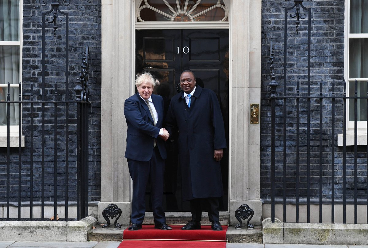 PM @BorisJohnson held talks with President Kenyatta @StateHouseKenya today at Downing Street. They agreed on the need for a new strategic partnership between the UK and Kenya. They particularly emphasised the importance of collaboration on climate change ahead of @ukcop26.