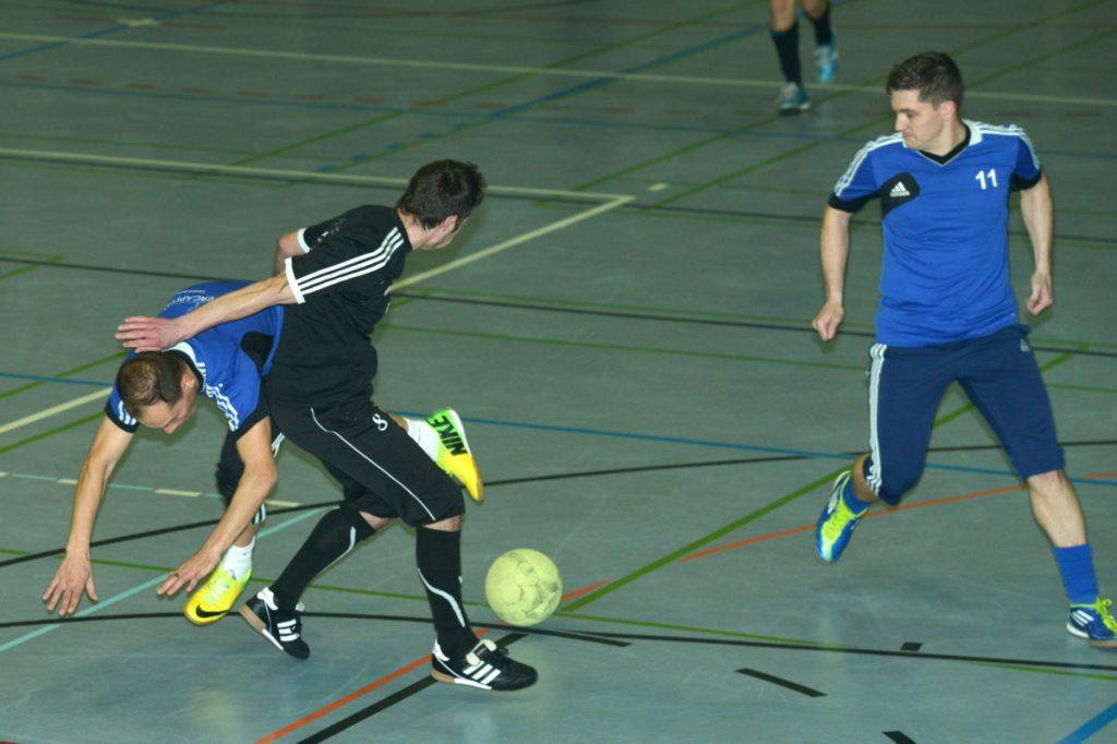 Hallenfussball: 66 Teams ab heute im Kampf um denFilzball https://www.lie-zeit.li/2020/01/hallenfussball-66-teams-ab-heute-im-kampf-um-den-filzball/…pic.twitter.com/W97GkV7hcr