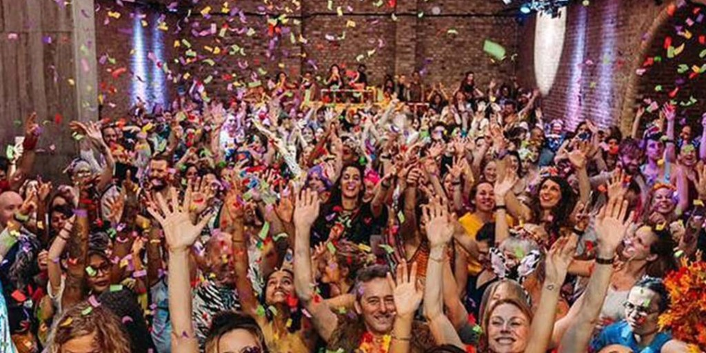 As part of our Sunday Series, celebrating the launch of Activewear at Liberty, we bring you a morning rave to get your body pumping, hosted by Morning Gloryville. 2nd Feb 9-10:30am. Book now before it's too late! http://ow.ly/Mlug50xY9Flpic.twitter.com/lYCvassY2w