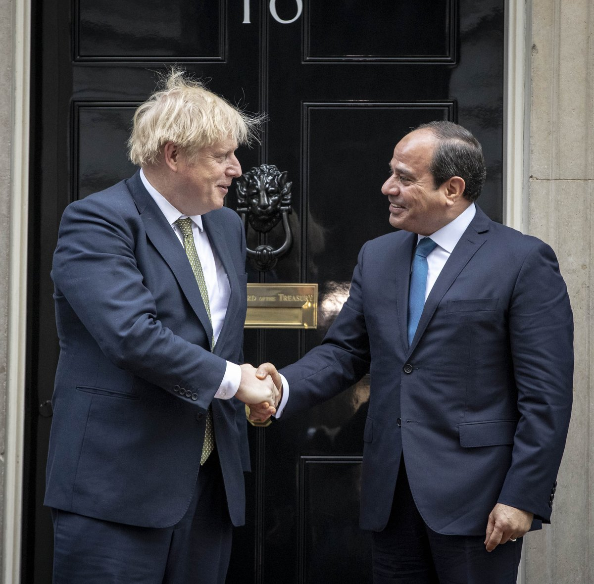 PM @BorisJohnson held talks with President @AlsisiOfficial of Egypt this morning in Downing Street. They spoke about the importance of trade and education links between the UK and Egypt, and the need to strengthen them. They also discussed the situation in Libya.