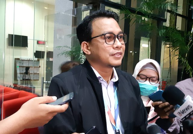 Sempat Kena OTT, KPK Cecar Politikus PDIPTerkait Aliran Suap Wahyu http://dlvr.it/RNSrDvpic.twitter.com/H2NwNWcbbH