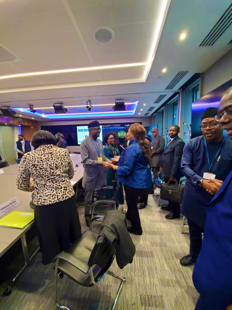 We were at the London Stock Exchange today to support the Minister of Finance, Zainab Shamsuna Ahmed (@ZShamsuna), as she negotiated the Jollof Bond for Nigeria.<br>http://pic.twitter.com/NzuknkDCvv