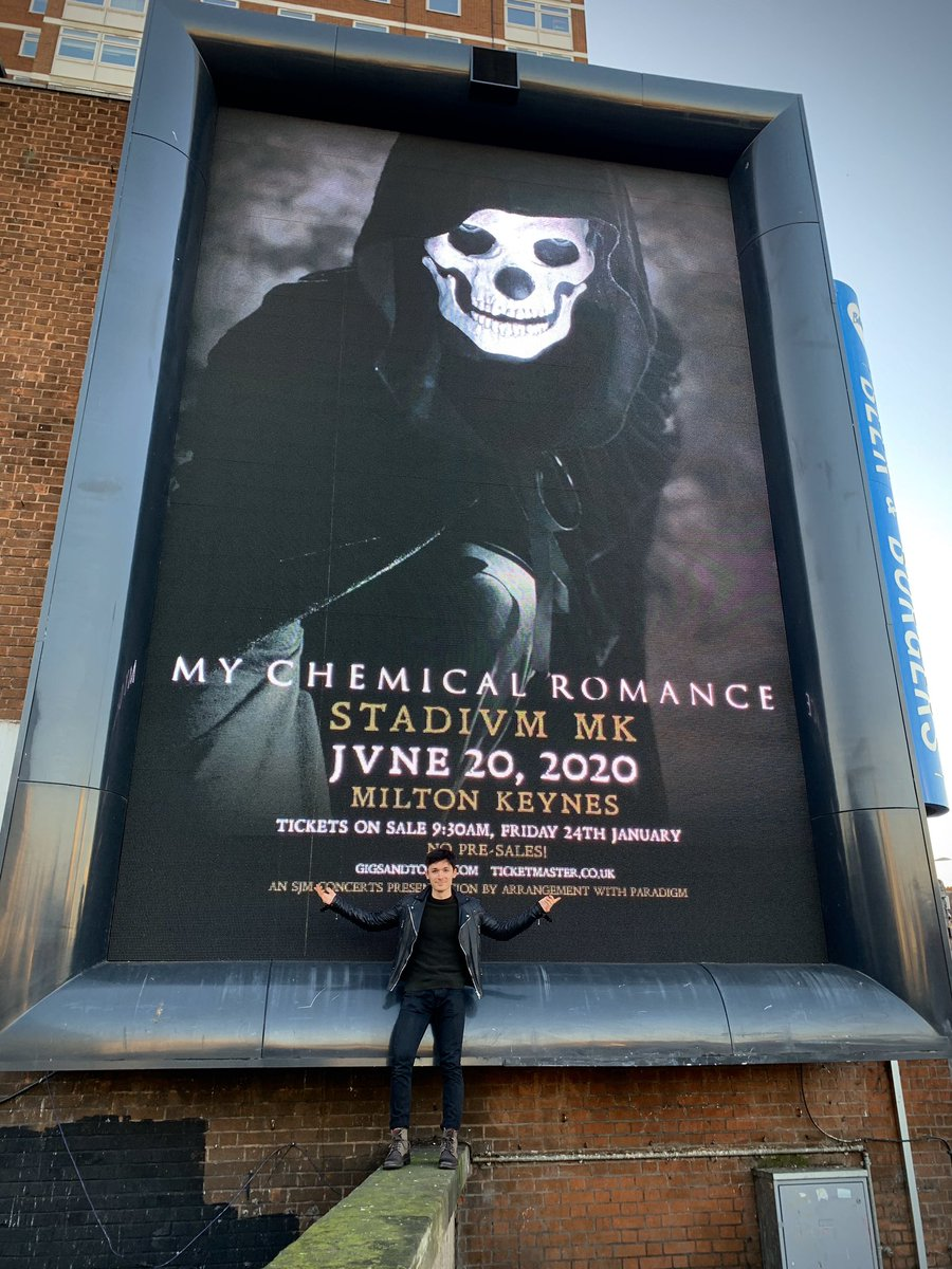 My Chemical Romance #MCRMK<br>http://pic.twitter.com/qBJamrlluP