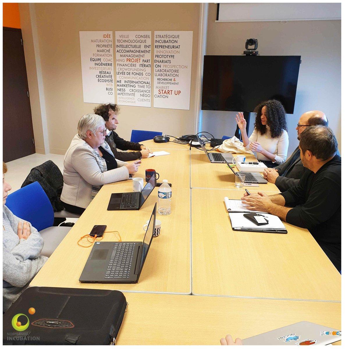 Présentation de Cloud Starter, l'offre #cloud d'Orange Business Services dédiée aux #startups. #accompagnement #financement #outils #entrepreneuriat #Normandie https://t.co/vac0DxPxqq