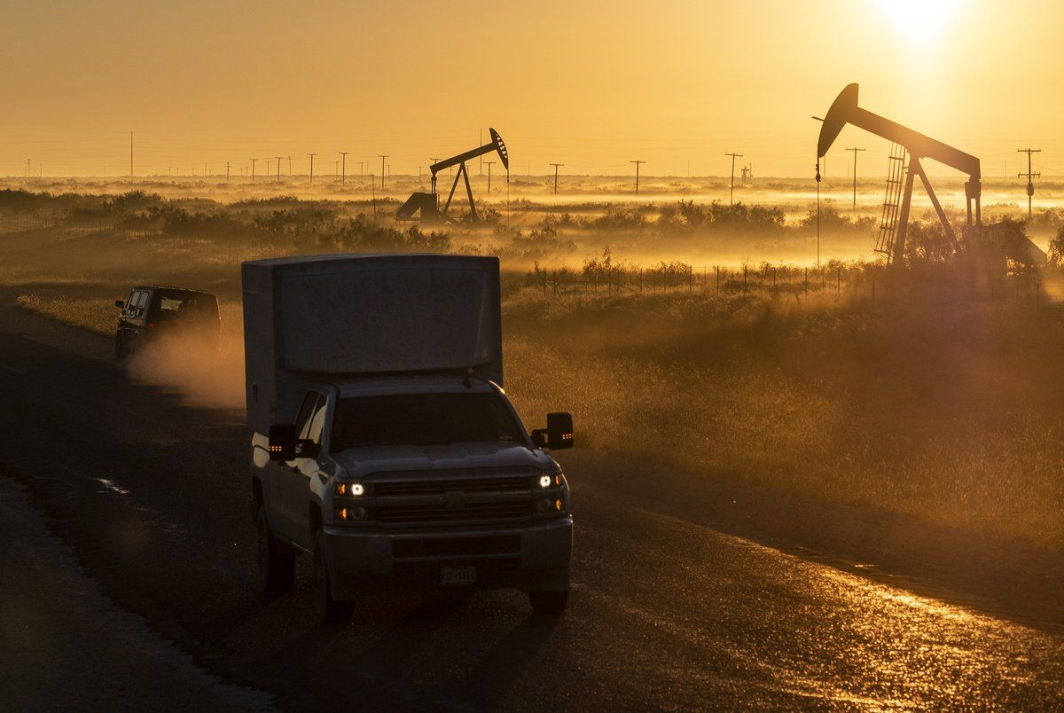 test Twitter Media - Love the oil industry spin about #climateChange.  They are here to help.  😂 ... Texas oil and gas industry could see a major slowdown in 2020 https://t.co/YIb733rPIL #PeakOil https://t.co/K4BFPFvqcF