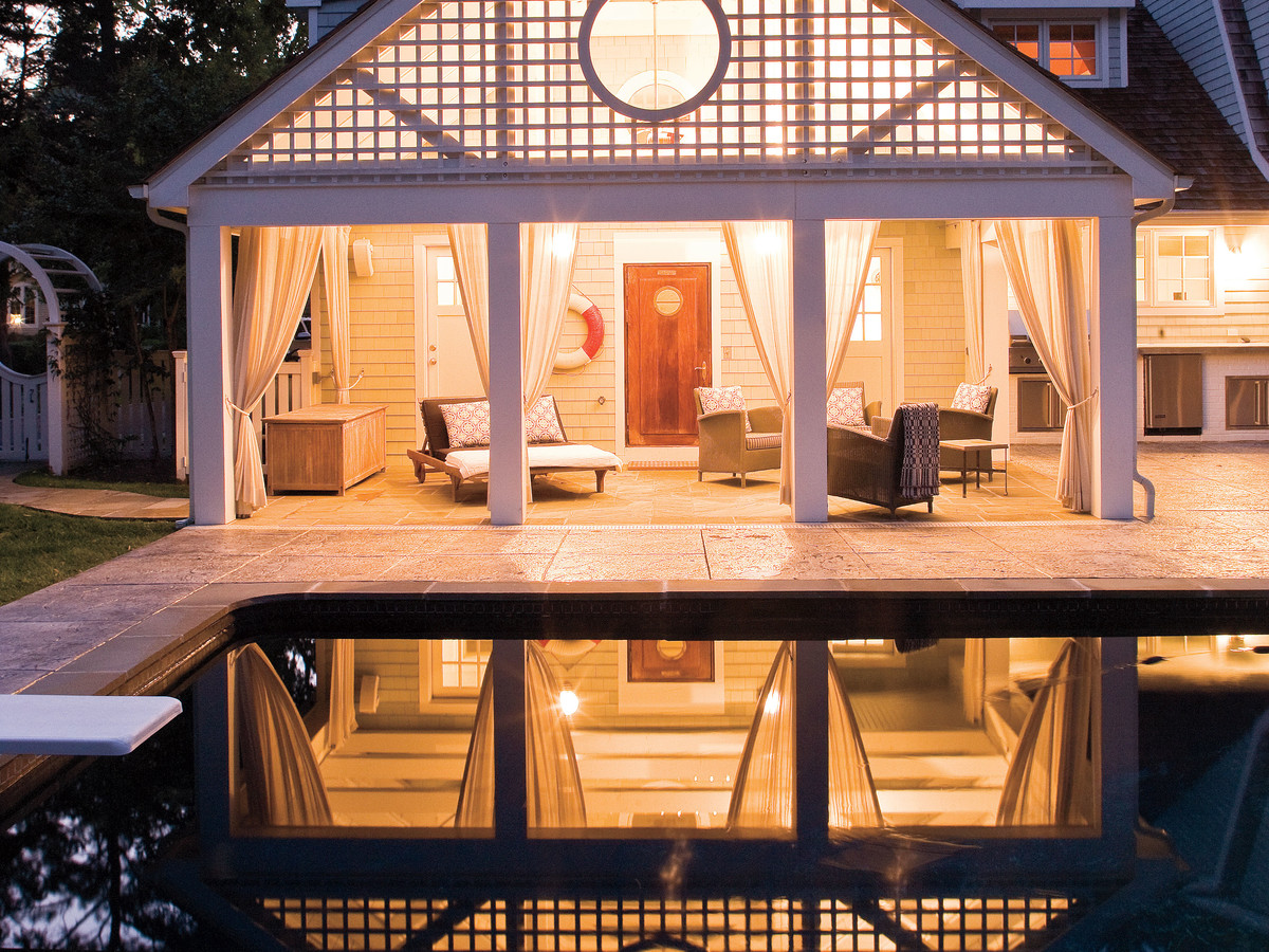 Your #backyard can become a getaway in and of itself with the right #exteriordesign.  http://cpix.me/a/90311009pic.twitter.com/jGnYIHyc6Y