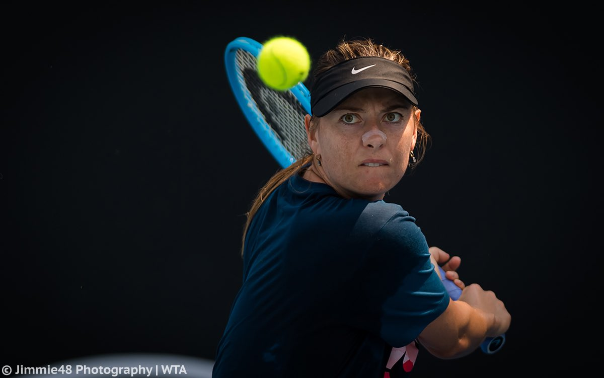 """Donna Vekic on Maria: """"She had some amazing results in her career. You know, her work ethic is pretty amazing. I saw her training in the offseason and she's really working hard. So I think her results will come."""" <br>http://pic.twitter.com/IvFKdJUnIa"""