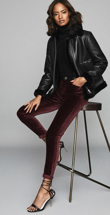 Can I wear velvet to a movie premier in March? Velvet is soooo luxurious and sensual! Something in velvet should be perfect in March and perfect for a movie premier. More...  #velvet #moviepremier #march