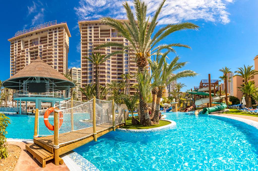 cheeky_trip: Benidorm 4 All Inclusive  FREE Luggage & Transfers  7 nights from £1019 for a family of 3 http://bit.ly/37840FS pic.twitter.com/lEaNtzD4Yc #SME #MondayMotivation #TuesdayThoughts #WednesdayWisdom #ThursdayMorning #FridayThoughts #SaturdayMorning #SundayT…