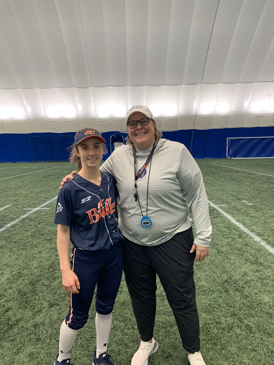 Akira Kopec (2022 - Utility) at the @CULionsSoftball camp this weekend!! Thank you coaches for your time!! #GoBullets  http://softballrecruiting.com  #softball #fastpitch #fastpitchsoftball #recruiting #softballrecruiting #infield #outfield #utilitypic.twitter.com/wxM0B0g5Gb