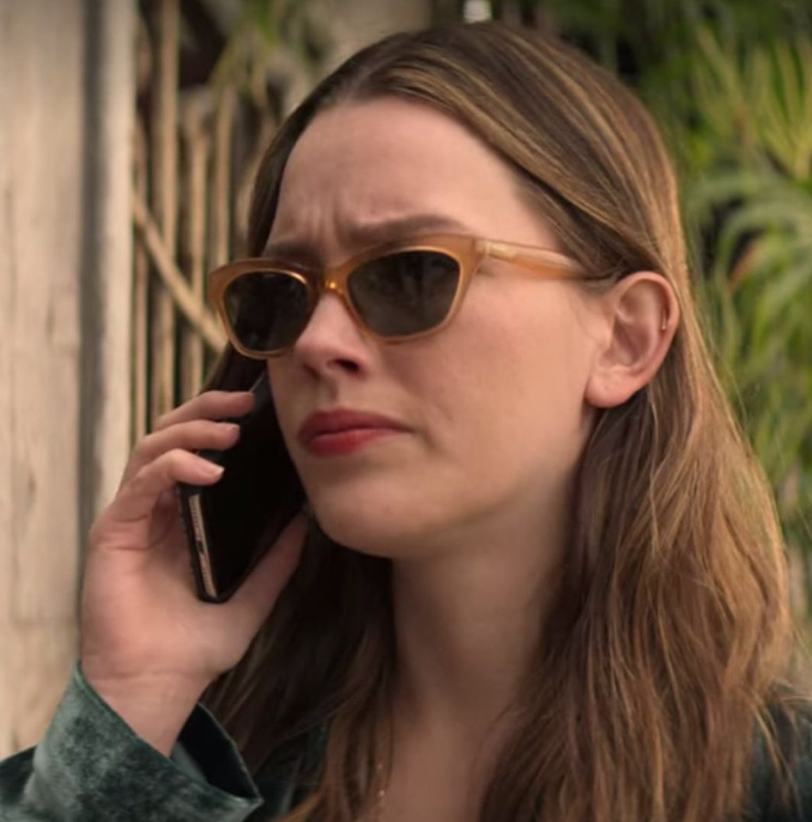 Kenmark Eyewear On Twitter Victoria Pedretti Who Plays Love Quinn On Younetflix Wearing The Zacposen Dolly