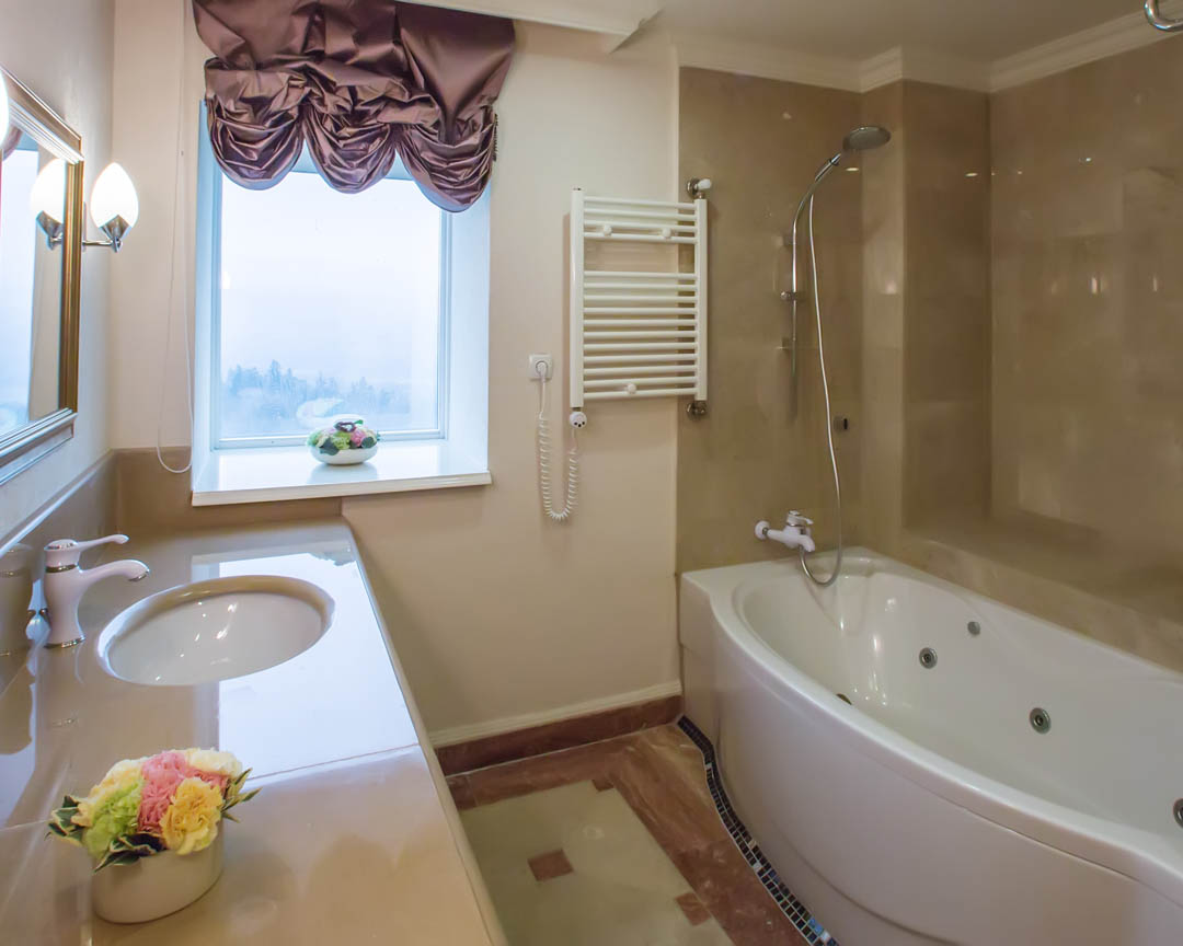 If you're in need of Bathroom Remodeling services near Mansfield, look no further than the superior services of JETs Remodeling. Call us today at (682) 582-8916. #BathroomRemodeling #GeneralContractor #HomeAddition  http:// bit.ly/344AwYL    <br>http://pic.twitter.com/l2I2cB9HNx