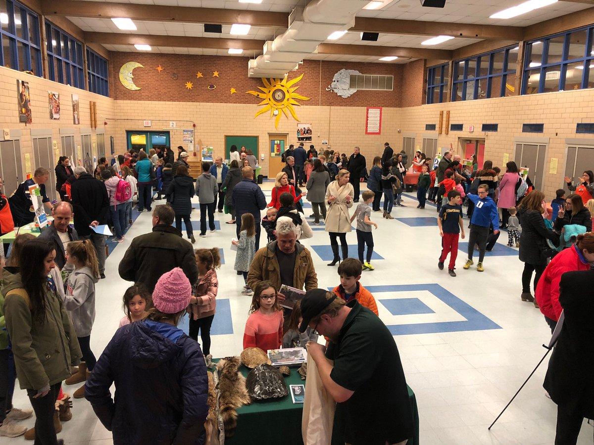 Great turnout at tonight's Science Night! Thanks to all the teachers, parents, and students for making this such a successful night. <a target='_blank' href='https://t.co/ZAhxeIbmFp'>https://t.co/ZAhxeIbmFp</a>
