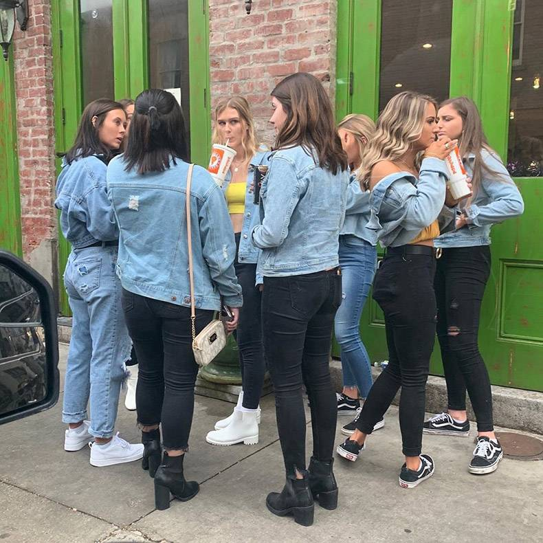 – Which one is it?– The one with the denim jacket.– Which one??– The one with black trousers.