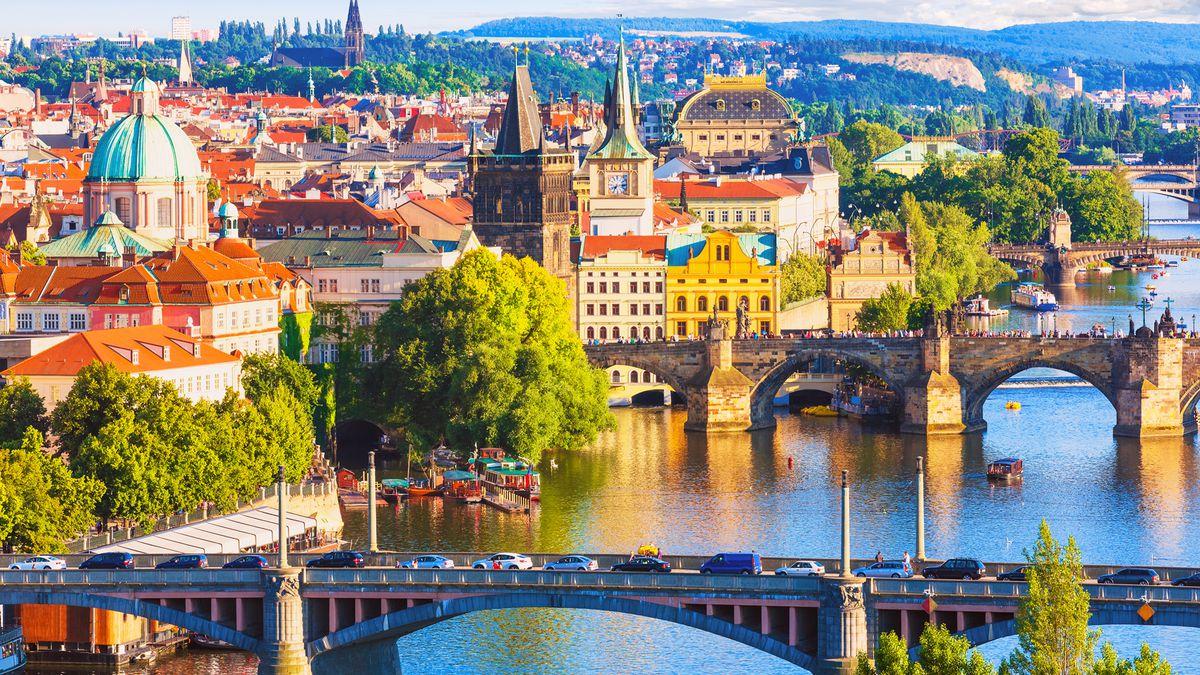 Spring Prague city break: 2nts at a 4* hotel w/ breakfast & flights from £87pp http://dlvr.it/RNTbmN pic.twitter.com/1B0mMrr19A #SME #WednesdayWisdom #ThursdayThoughts #FridayFeeling #SaturdayMorning #SundayMorning #MondayMotivation #TuesdayThoughts #SME #MondayMorning #Tuesday…