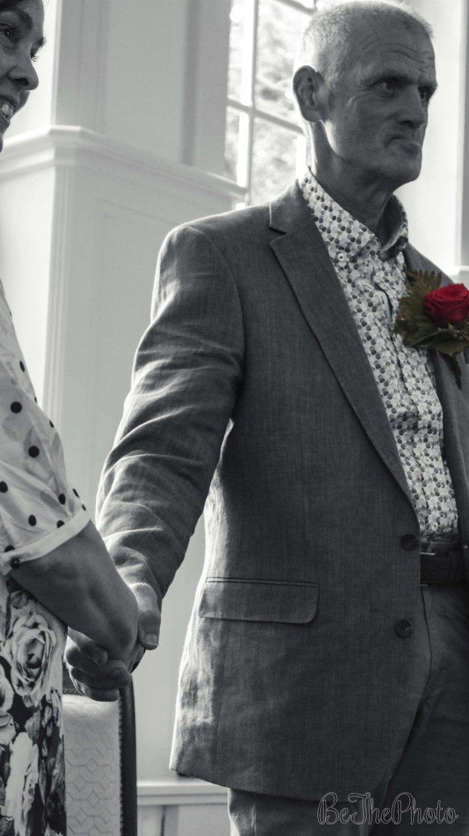 #holdinghands Camera: Canon EOS 80D 18-55 MM F: f/5.6 S: 1/80 sec ISO: 4000 #edited #blackwhite #BeThePhoto #Brabant #NorthBrabant #Budel #Cranendonck #Nederland #bruiloft #trouwerij #ceremonie #oom #aunt #photography #holding #hand #vasthouden #handjesvasthouden #happy #zwartwit