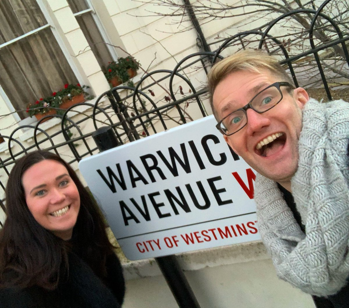 🎵 When I get to Warwick Avenue... I'll do what I normally do with @CBrosnanSoprano and take a selfie. 🤣 Love working with this girl!  #warwickavenue #selfie #friends #touristinmyowncity