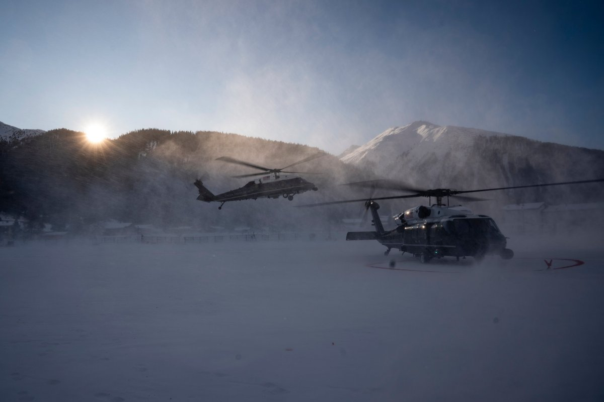 great photo of Trump's Davos arrival by NYT's @AnnaMoneymaker