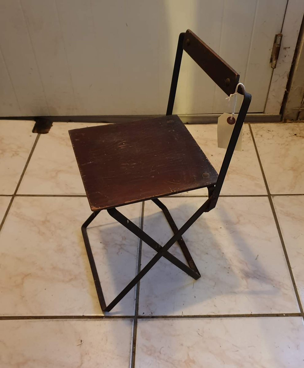 A small child size vintage metal and wood folding chair. In auction 28th January. #wga #auction #vintage #antiques #worthing #shoreham #brighton #hove #sussex #home #homefurniture #furniture #reuse #recycle #upcycle pic.twitter.com/PgUHin8JJA