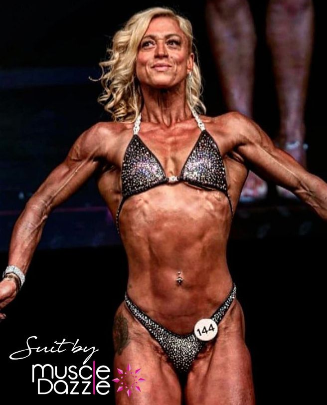 @shreddedwoman looking extra impressive and ready for anything! I really hope the comp was an enjoyable day for you. xx #muscledazzle #figuresuit #figurecompetition #figurecompetitor #inbabikini #bikinifit #bikinicomp #ifbbmadrid #ifbbelitepro #arnoldclassicbrasil #ifbbproleaguepic.twitter.com/AnhH5zNSAQ