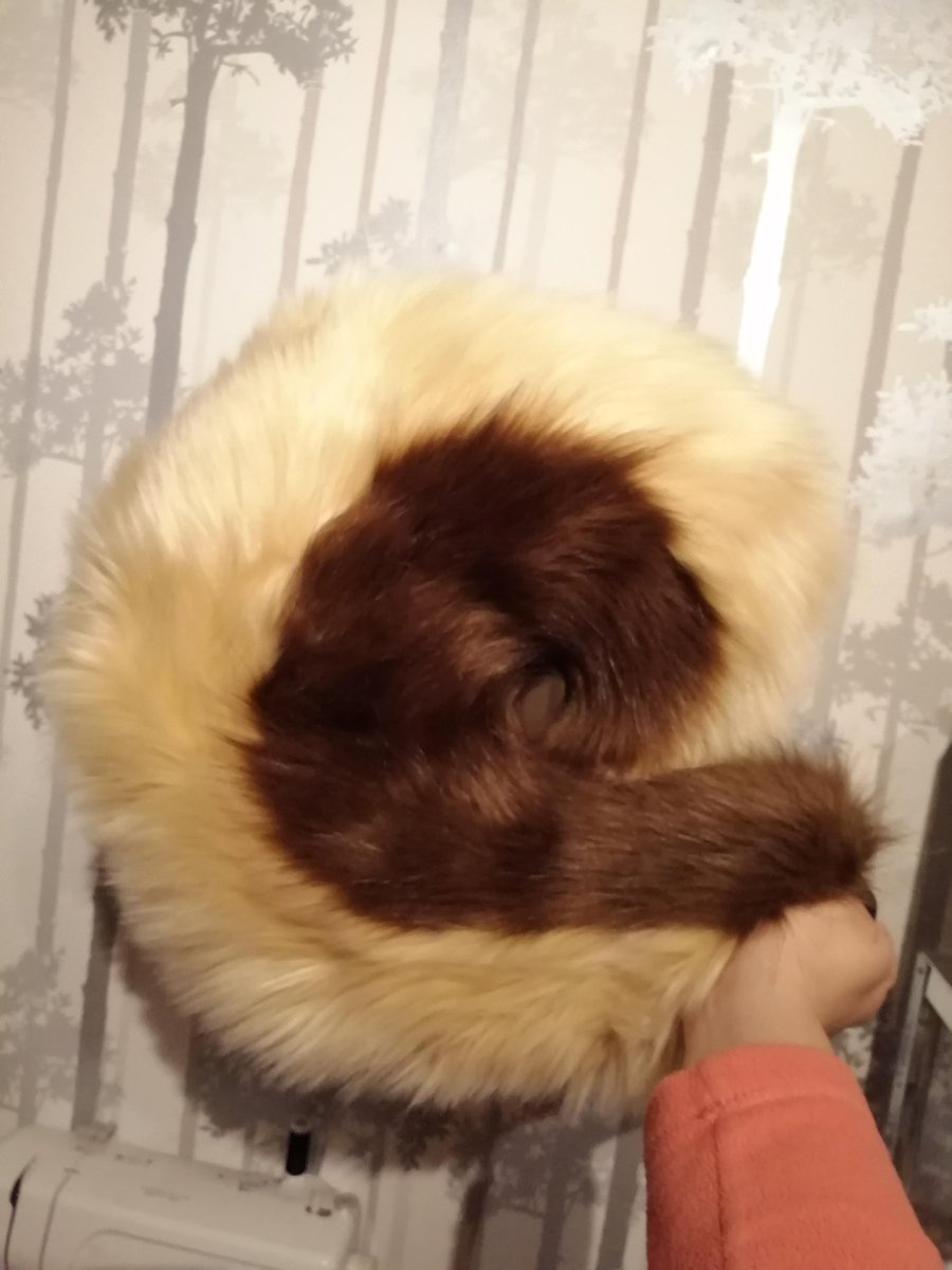 Husky tail for sale!! £60 plus shipping!! Pm to claim! (UK shipping is approx £5, international is £10) Paypal only<br>http://pic.twitter.com/BJ8qWt2sKi