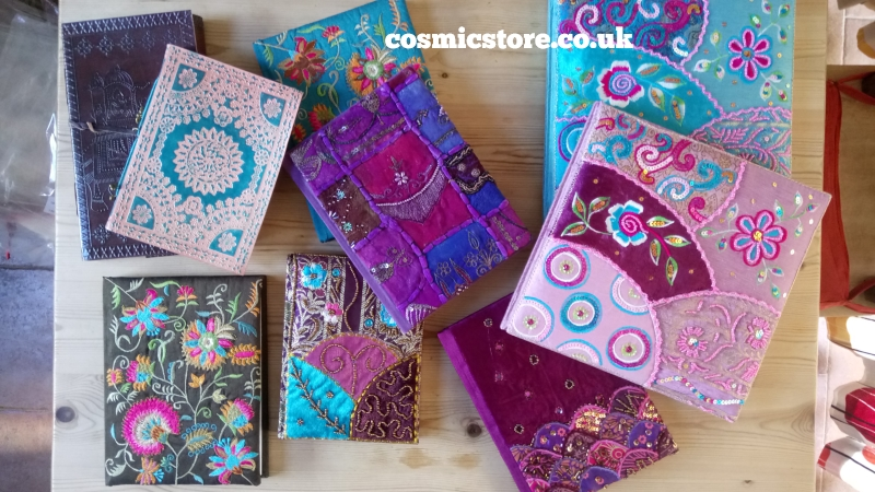 Beautiful #handmade notebooks and journals: http://ow.ly/Ejvk50y0WYA #creativejournaling #fairtrade #tarotjournalpic.twitter.com/p237MhmIYB