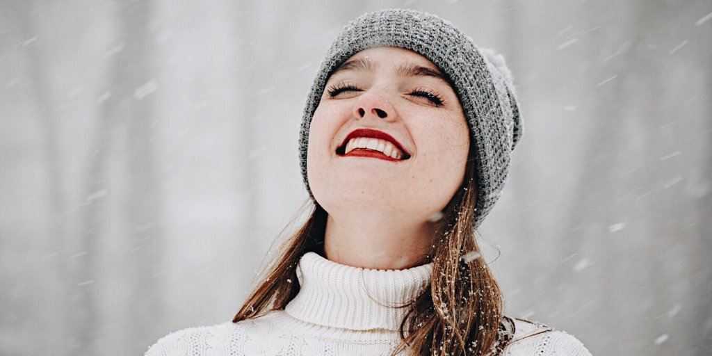 A beautiful #smile requires time and attention. We make it easy with our triple action formula #Silver #Tooth Gel. Get up to 12 hours of protection for your #teeth & #gums. 🦷 . SAVE 20% ON OUR TOOTH GEL THRU JAN. 31 - SHOP NOW: