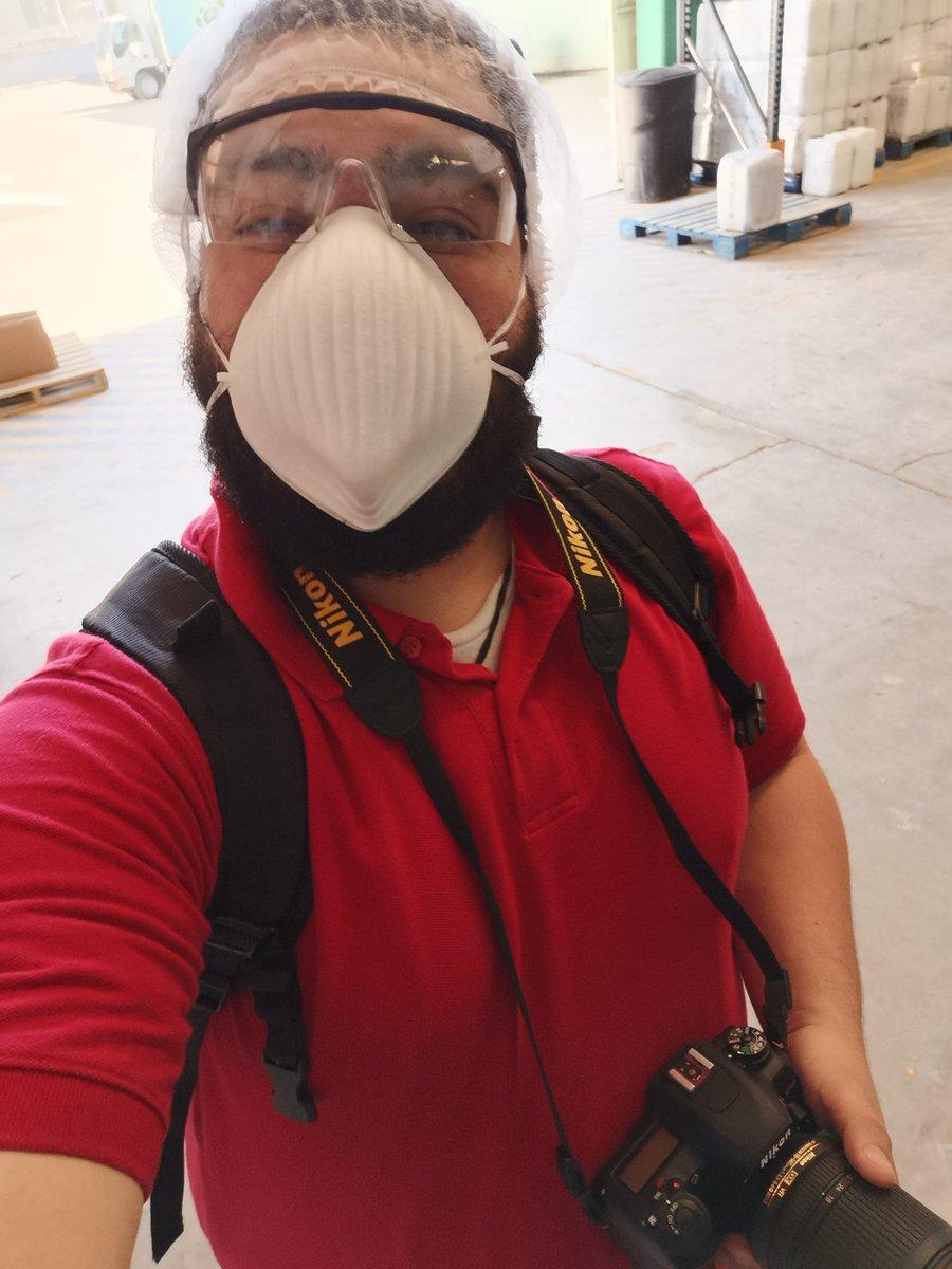 Tomando foto en bodega en Agrhusa, alrato tomas con dron en las instalaciones.  #foto #fotografias #fotografia #drone #producto #tomasshelby #tomas #fotoproducto #fotoprofil #fotopropic.twitter.com/4oBxD8Czxj