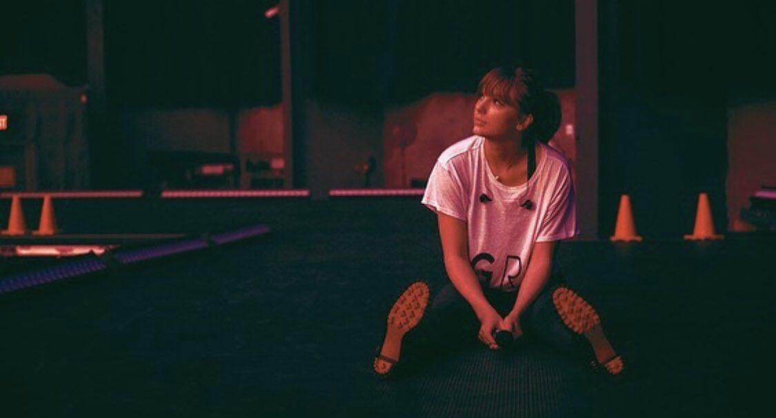 "Taylor Swift >> álbum ""Lover"" [III] - Página 5 EO1YoiyU8AAK5vg?format=jpg"