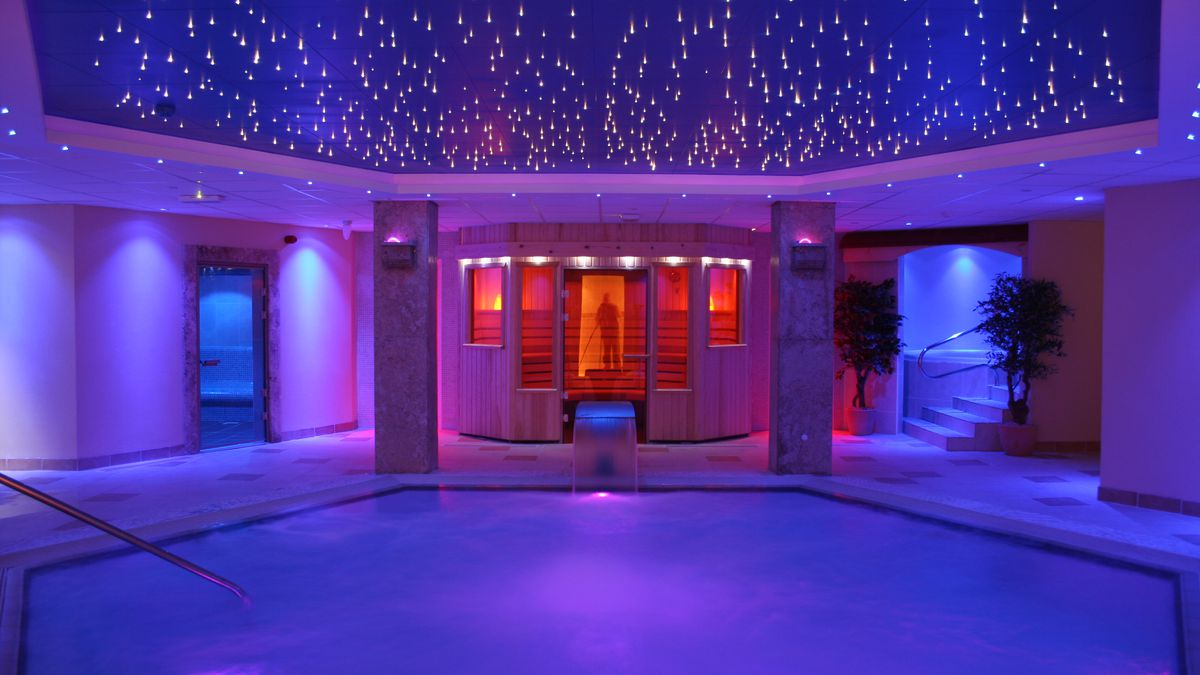 Top-rated Wales spa escape from £32pp/pn - incl. breakfast & spa access http://dlvr.it/RNTtPw pic.twitter.com/ksaiLKyjm7 #SME #WednesdayWisdom #ThursdayThoughts #FridayFeeling #SaturdayMorning #SundayMorning #MondayMotivation #TuesdayThoughts #SME #MondayMorning #TuesdayThought…
