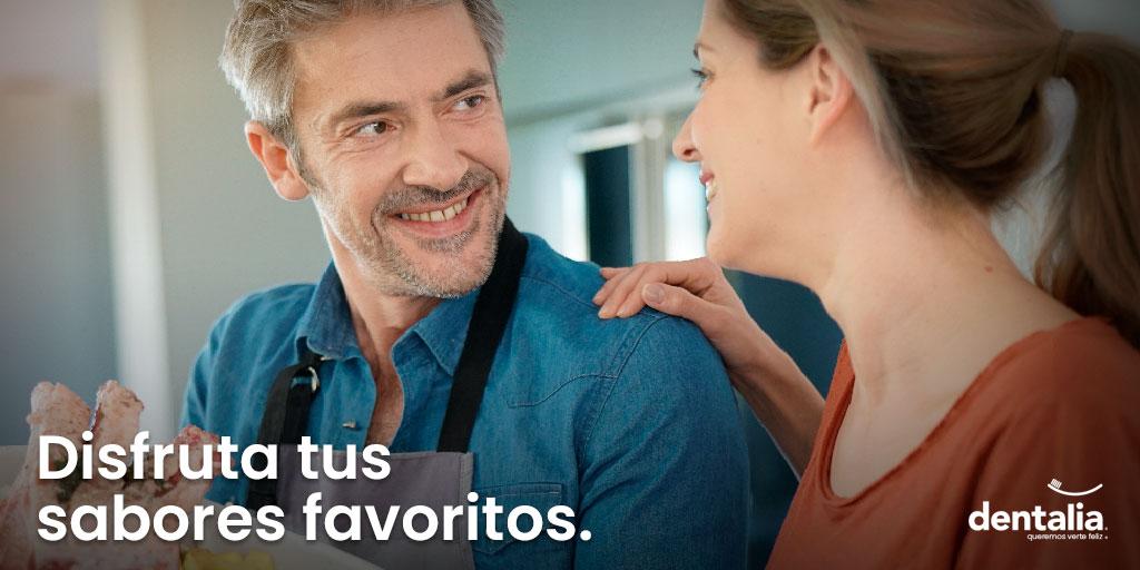🍽️¡Saborea y disfruta todo lo que quieras!😉 Nuestros implantes dentales son tan cómodos y discretos que no sentirás la diferencia con tus dientes naturales al comer. 🦷✨  Agenda tu cita ya. https://t.co/Y4eeDWZqSb