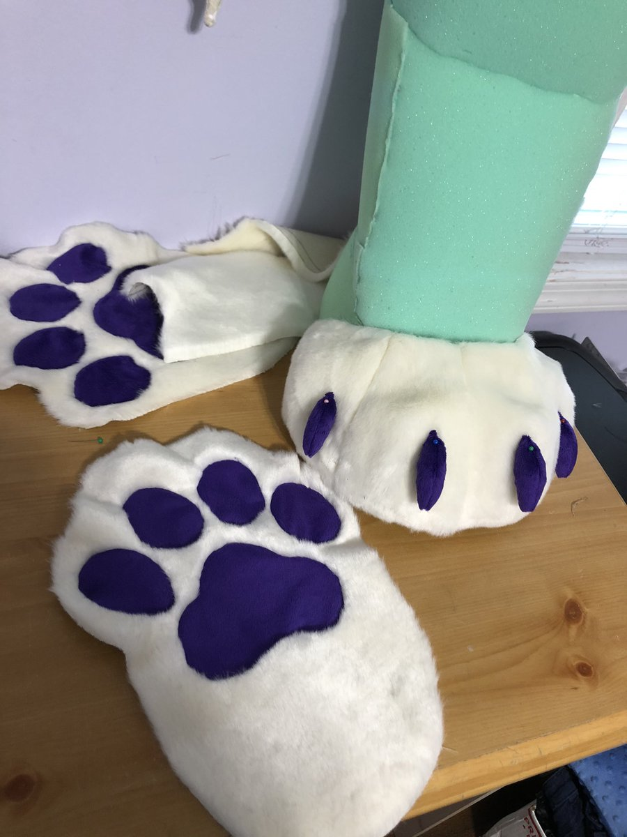 If anyone would be interested in putting in offers for these sockpaws feel free to dm me :) I should be finished with them tonight!<br>http://pic.twitter.com/JDKeFJjl1F