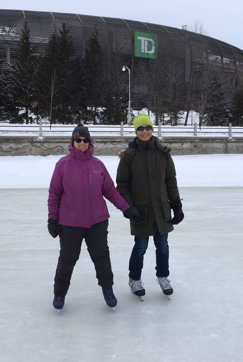 Come to @LowUpCdnAnesSym ! Join me and @sblemay for a skate on the canal. Ice conditions are pretty good!