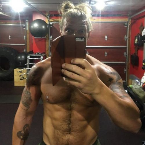 Edge posted this picture back in August after his appearance at SummerSlam.   With all the rumors swirling around him at the moment, one thing is for sure ... the dude looks to be in possibly the best shape of his life.<br>http://pic.twitter.com/i8QDAunhVJ