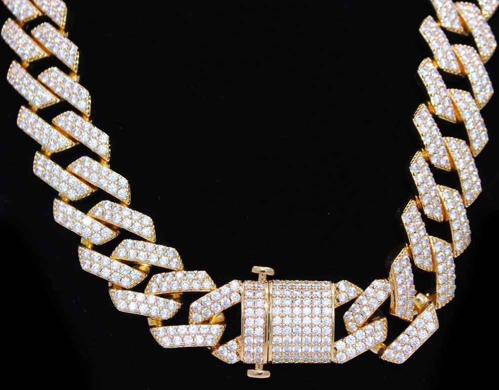 BEST SELLING CUBAN CHAIN  Double Spring Lock Clasp VVS Simulated Diamonds Prong Set   #hiphopbling #hiphopjewelry #icedoutjewelry #blingjewelry #icedout #hiphopchains #blingbling #hiphopchain #icedoutchain #cubanchain #cubannecklace https://www.hiphopbling.com/collections/new-hip-hop-jewelry/products/19mm-turkish-cuban-bling-bling-chain-white-yellow-gold…pic.twitter.com/NHmaMUapNq