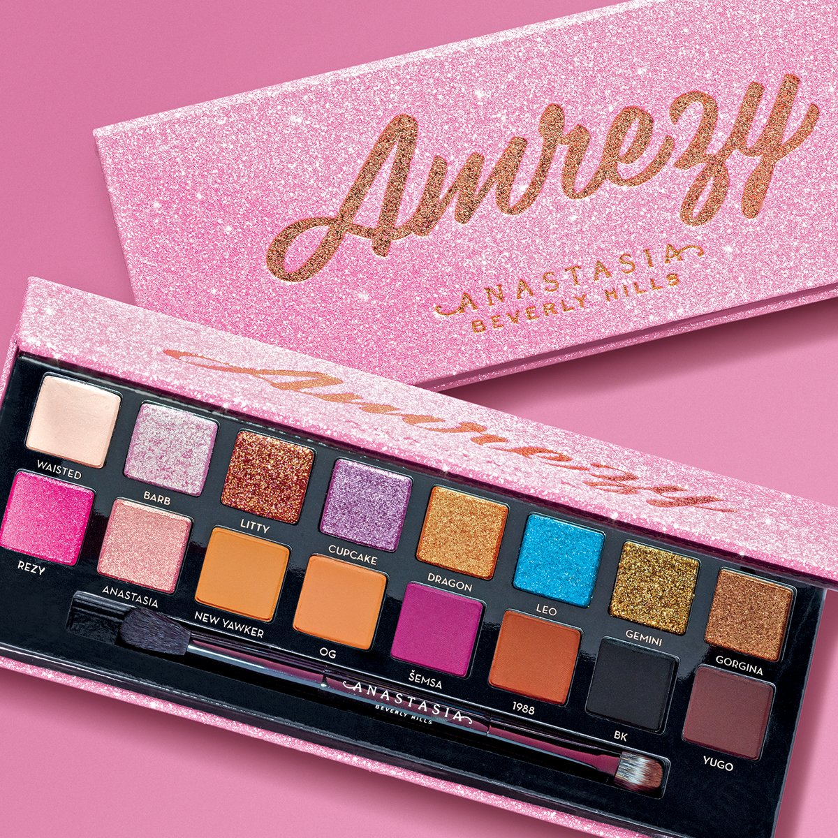 Pink, glittery, pigmented? Were sold.👉