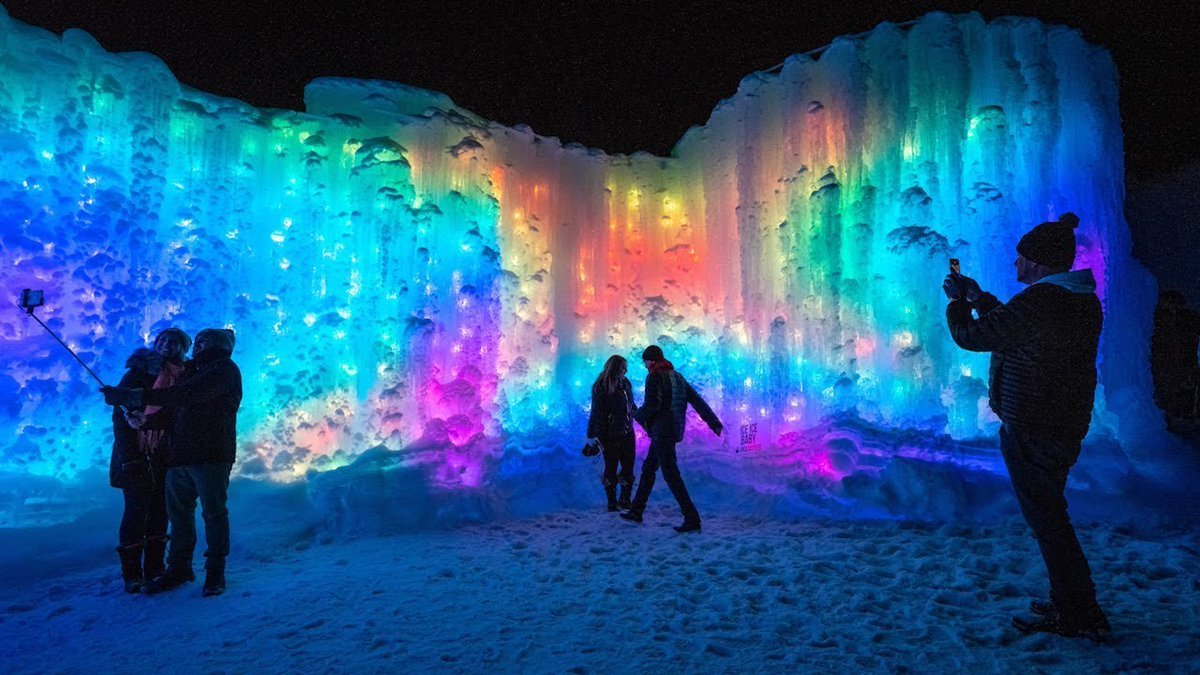 #TuesdayThoughts The Ice Castles in Dillon are one of the coolest things to see this winter! #Colorado<br>http://pic.twitter.com/85YEW2HSnJ