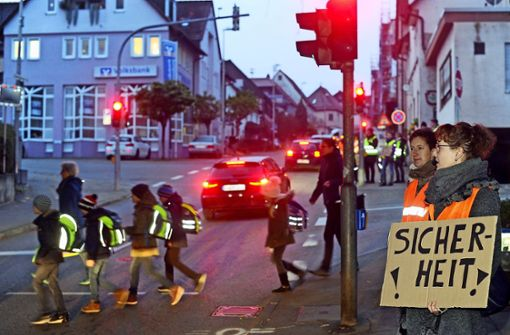 Sicherer Schulweg in Benningen: Viele Ideen für mehr Sicherheit http://dlvr.it/RNVGslpic.twitter.com/eebMe83WgY
