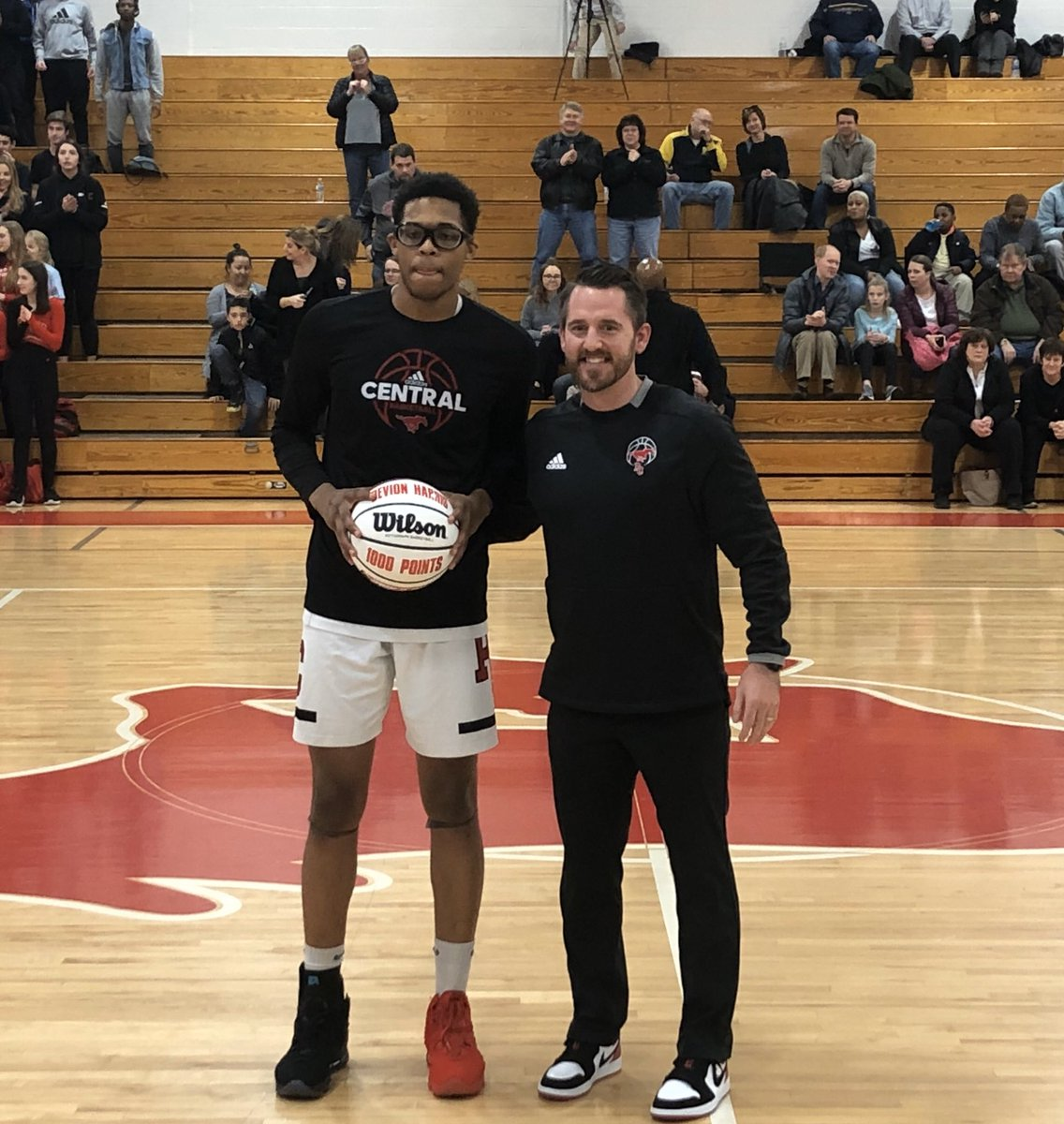1000 pt scorer for @pccoltshoops Congrats Devion #ColtProud
