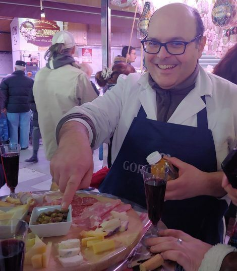 Looking for a unique food experience in Turin? Try this food tour https://buff.ly/37gOBDl #turin #italy #foodie #travelpic.twitter.com/Km4rhhhCAH