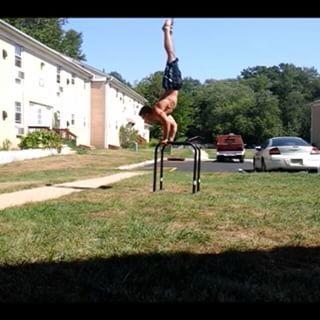 Deep handstand #PushUp practice done by #Calisthenics training   Bodyweight Trainig Guide : http://bit.ly/1uwpTq2?utm_campaign=meetedgar&utm_medium=social&utm_source=meetedgar.com…pic.twitter.com/YtmuEKupmr