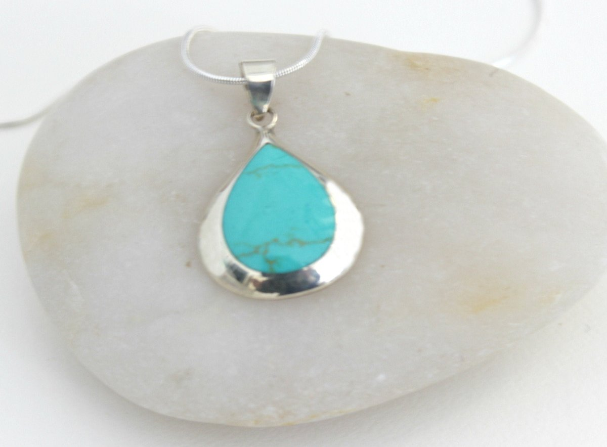 Excited to share the latest addition to my #etsy shop: Sterling Silver Pendant with Howlite Stone https://etsy.me/2Rg4lRx #jewelry #necklace #green #silver #no #girls #people #teardrop #bohohippiepic.twitter.com/Rg9ELOhZGi