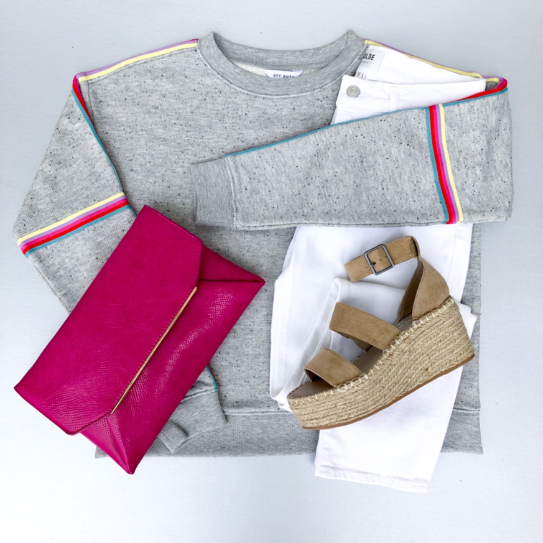 Who says sweatshirts can't be dressed up?  . . . . #shoplocal #handinpocket #stayhip #iamtheeverygirl #womensboutique #casualandcute pic.twitter.com/PJ3CuEcrz1