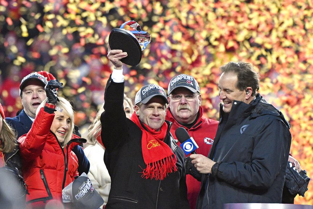 #ACCIÓN | La familia Hunt verá al fin a los Chiefs en el Super Bowl https://bit.ly/2RfTkQbpic.twitter.com/cdVfcIiJpz