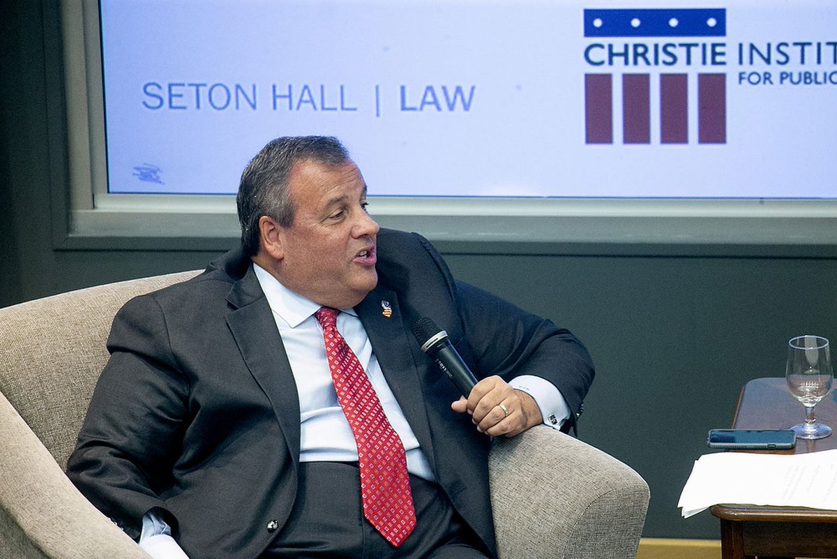 People are surprised to see Chris Christie as one of the debate commentators