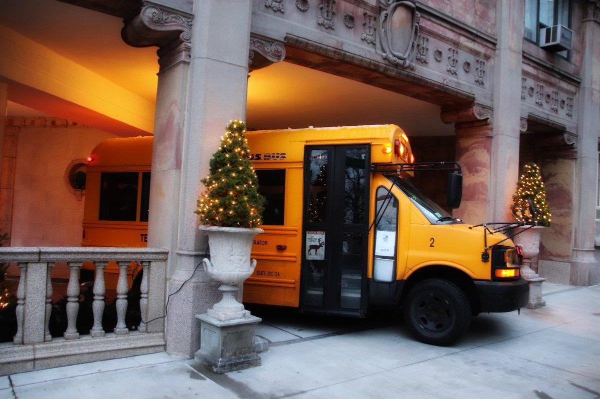 Les véhicules jaunes de NYC  #véhicule #transport #taxi #schoolbus #bus #truck #camion #voiture #jaune #NYC #newyorkcity