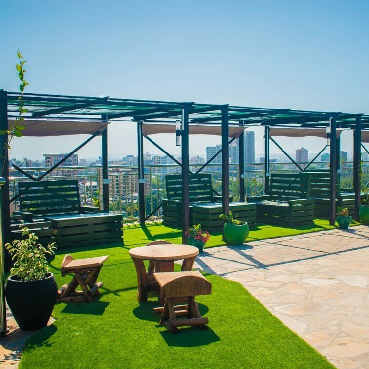 Rooftop garden at @HolidayInn Dar Es Salaam City Centre  What is your favourite rooftop joint in Dar-es-Salaam? . #govisitdaressalaam #mydaressalaampic.twitter.com/9H0Rc6H70f